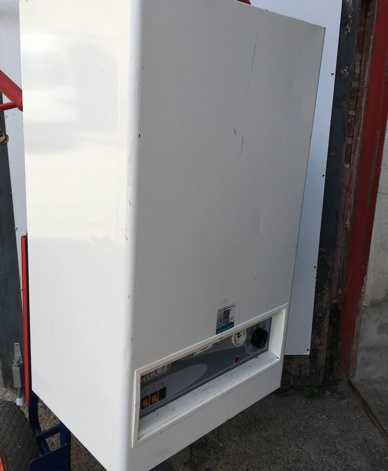 Elektro-Warmwasserheizung EWH-22